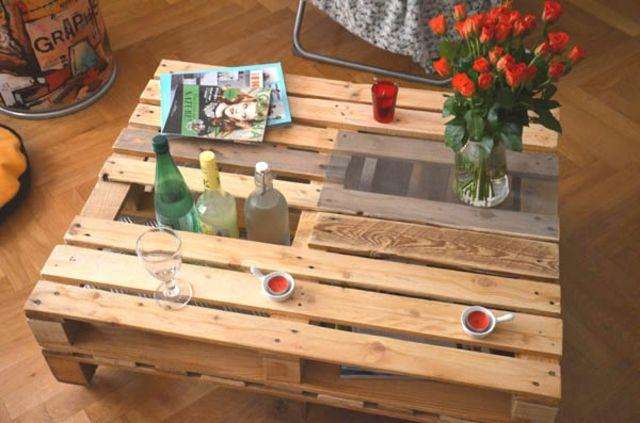 Table De Jardin En Palette Table Basse Palette Avec Rangement Bouteilles