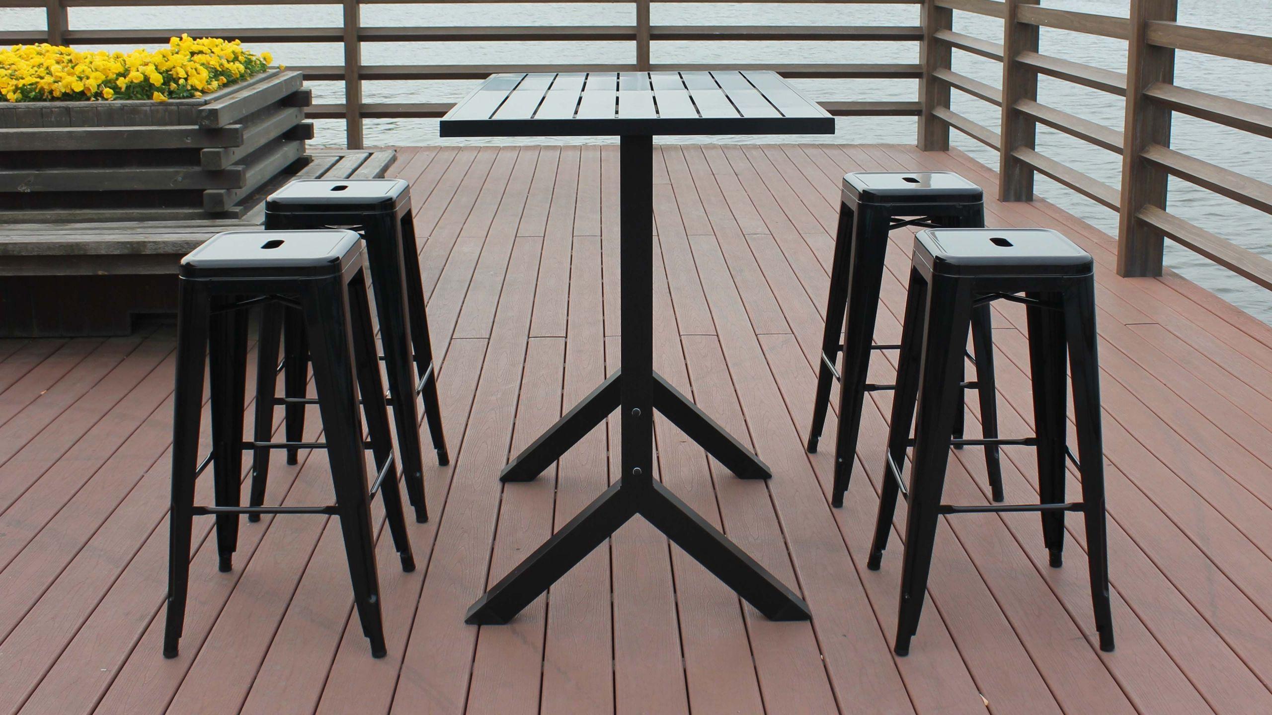 Table haute de jardin 4 tabourets métal