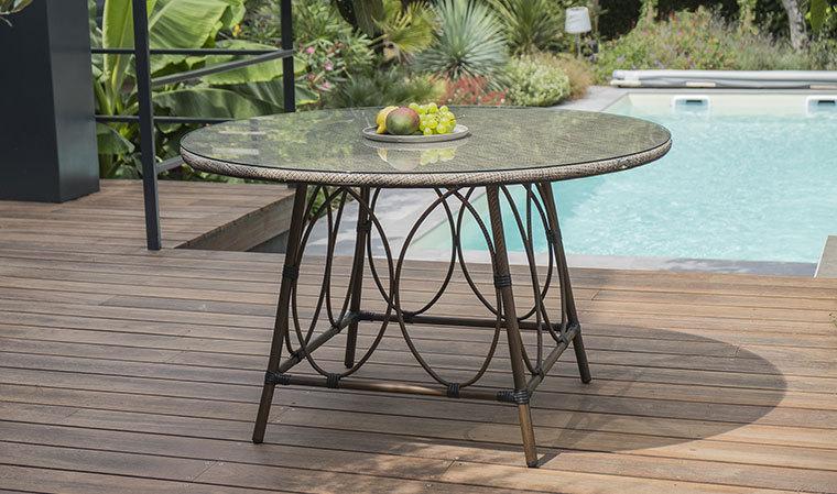 Table Ronde Jardin Table De Jardin Ronde En Aluminium Marron Et Textile Lin