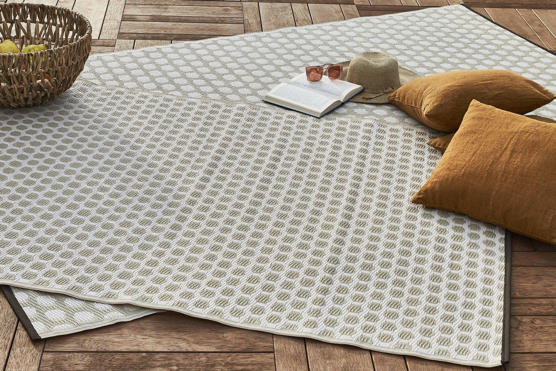 Des tapis d extérieur tressés