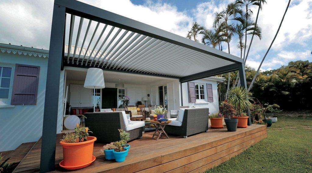 Terrasse Avec Pergola Découvrez La Pergola Bioclimatique à Lames orientables