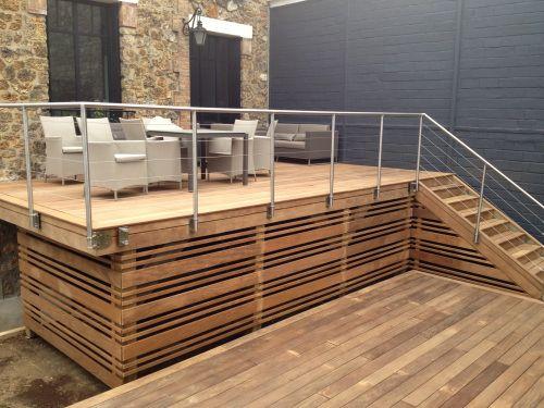 Terrasse bois en hauteur sur pilotis extérieur