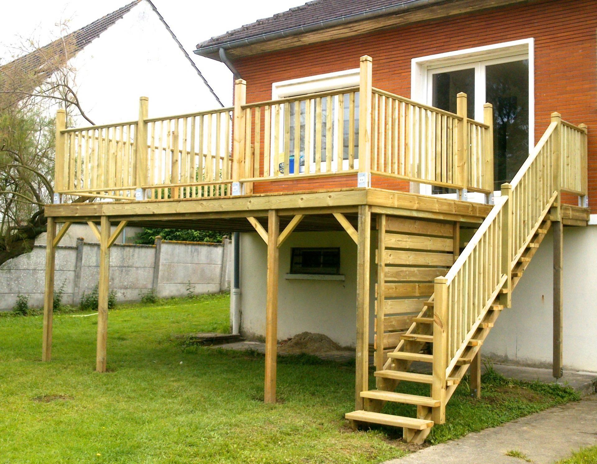 Terrasse bois sur pilotis avec escalier bois en 2019