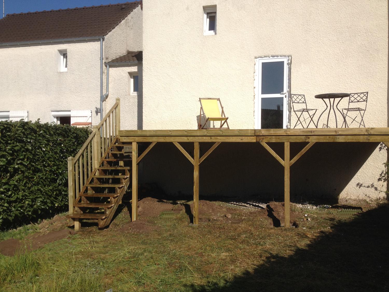 Terrasse en bois sur pilotis dans l Oise 60