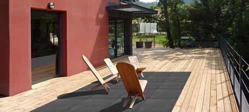 Les terrasses bi matière Bois Grès Céram une nouvelle