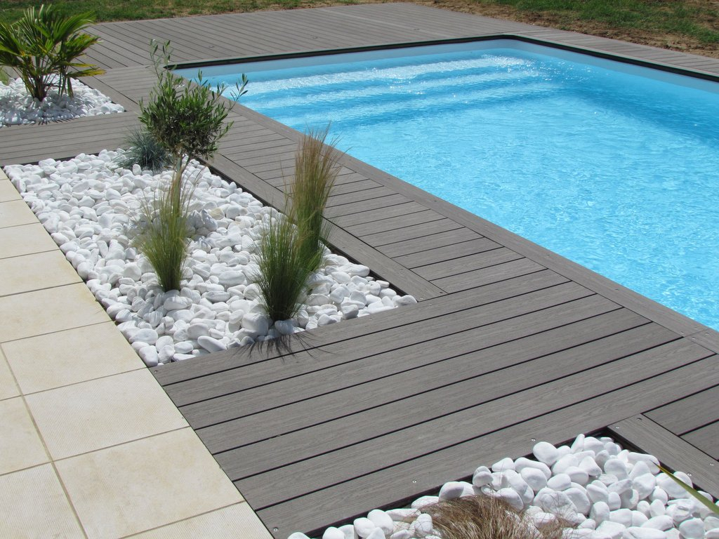 Silvadec posite Decking DeckDirect