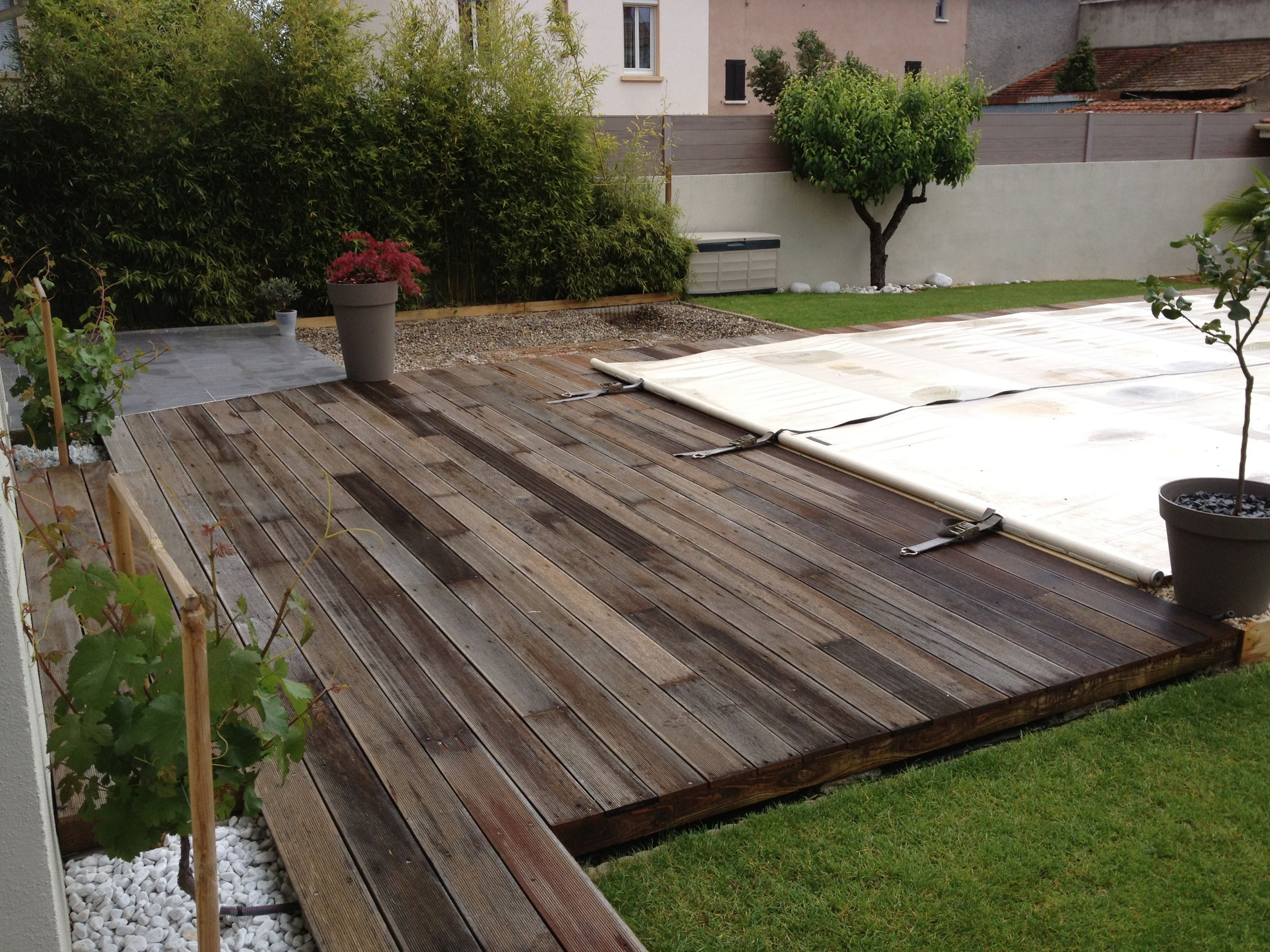 Terrasse en bois exotique bangkiraï bankirai dégrisée et