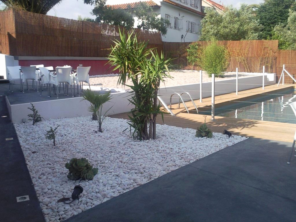 Amenagement Exterieur Jardin Avec Galets terrasse en cailloux amenagement exterieur cailloux - idees