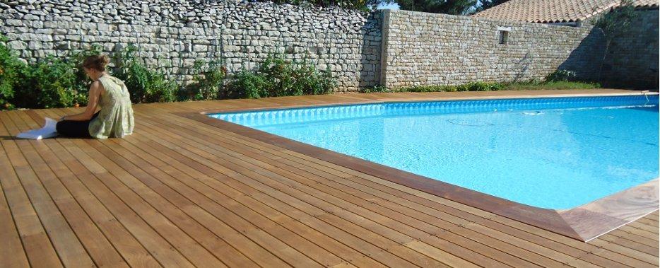 Terrasse en teck pour piscine Nos Conseils