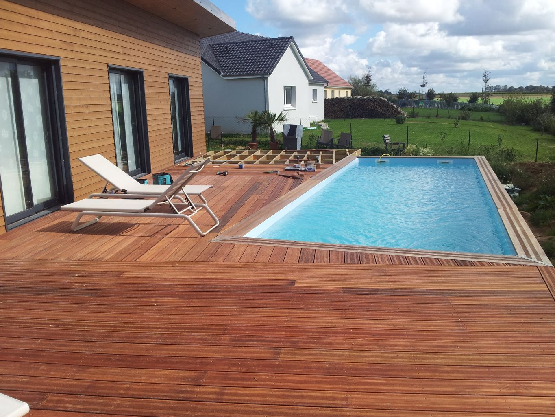 Terrasse bois avec piscine