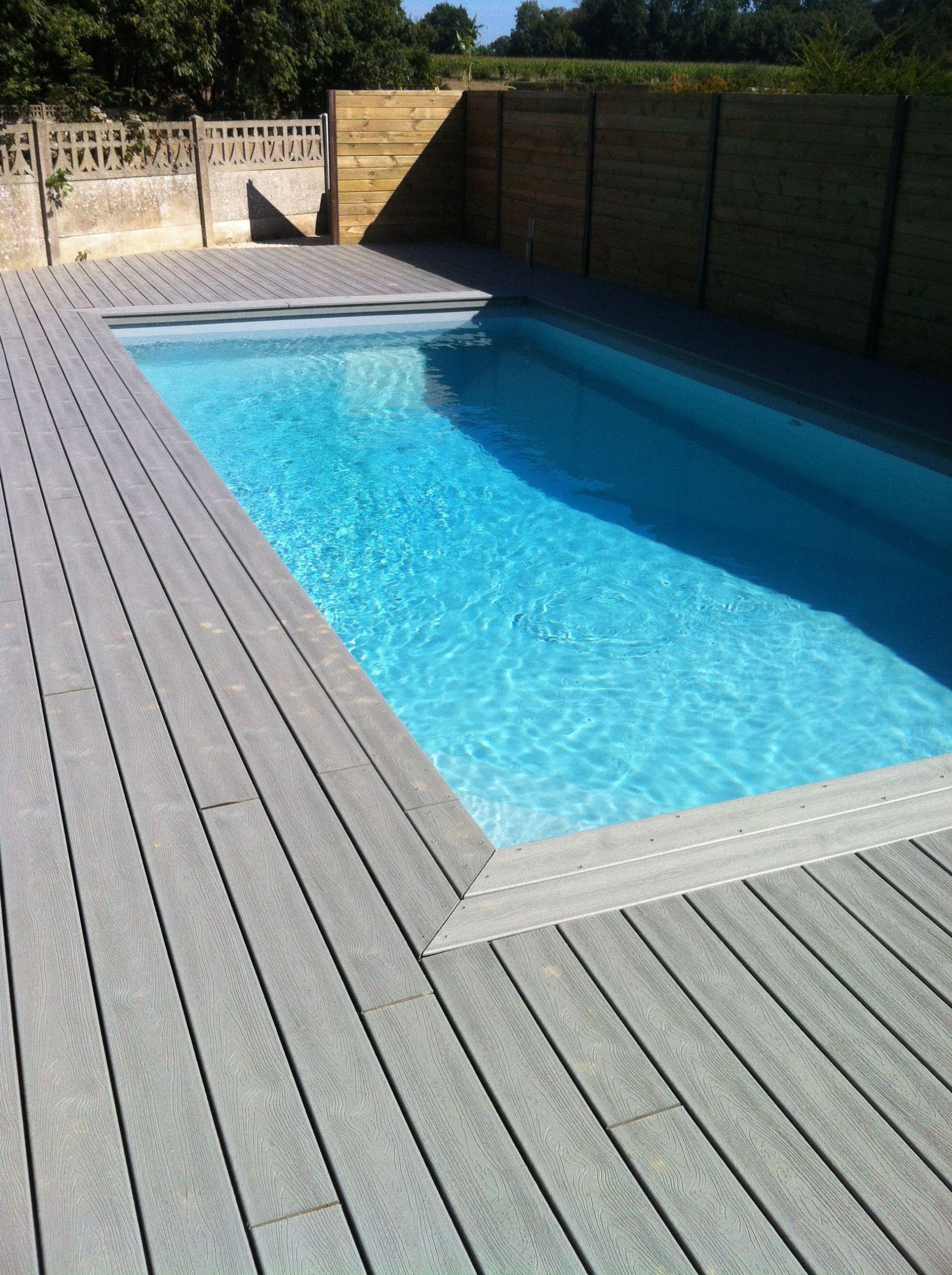 Terrasse de piscine en bois quel bud prévoir et
