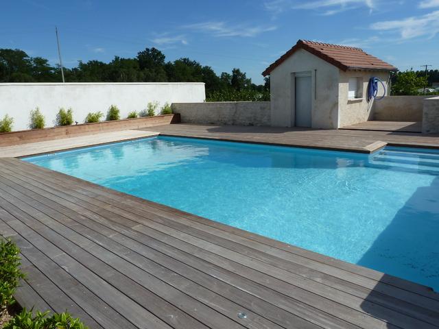 Terrasse autour d une piscine