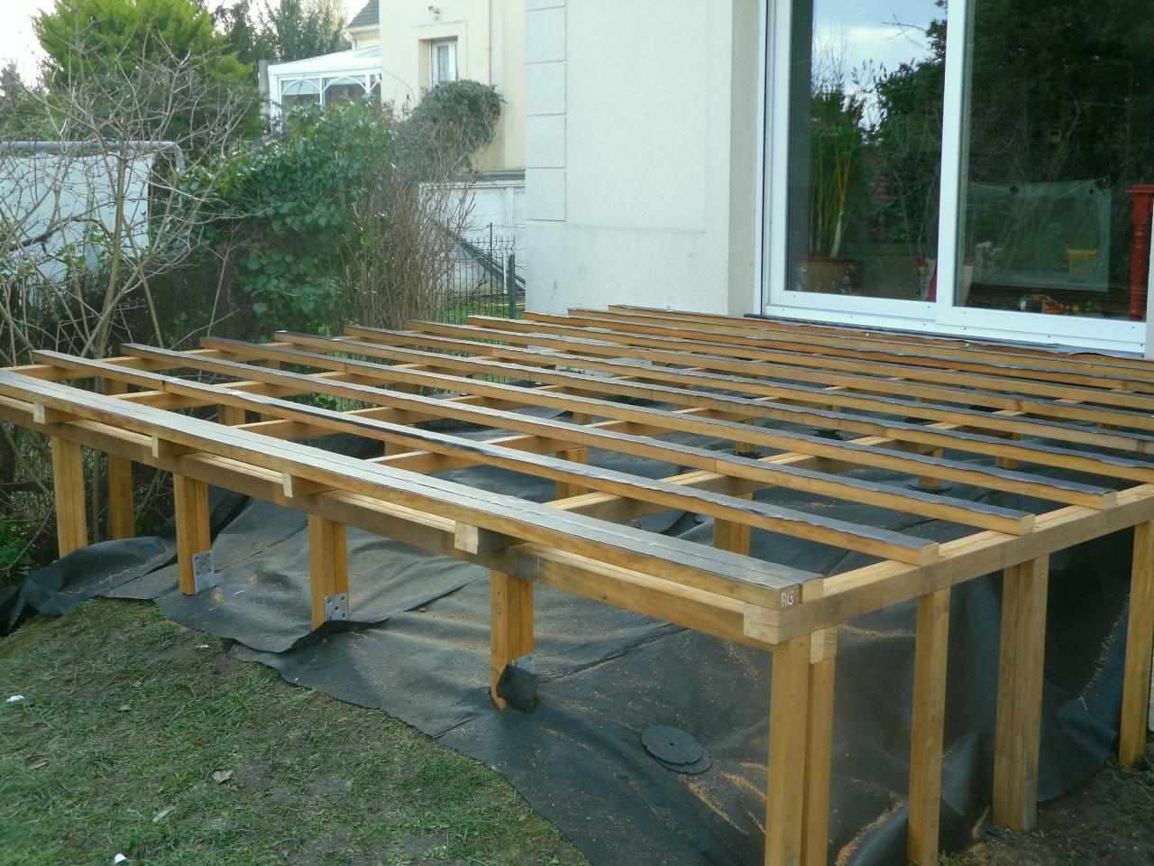 Plan construction de terrasse en bois sur pilotis