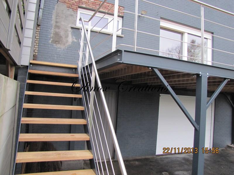 Terrasse Suspendue Bois Kinderzimmers Conception Terrasse Avec son Escalier Et