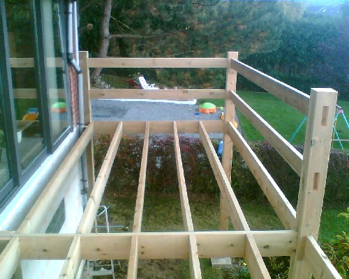 Kinderzimmers terrasse suspendue en bois posite photo