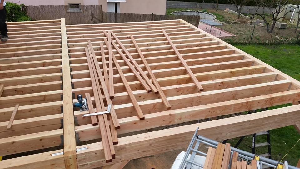Terrasse en bois suspendue à Beaugency