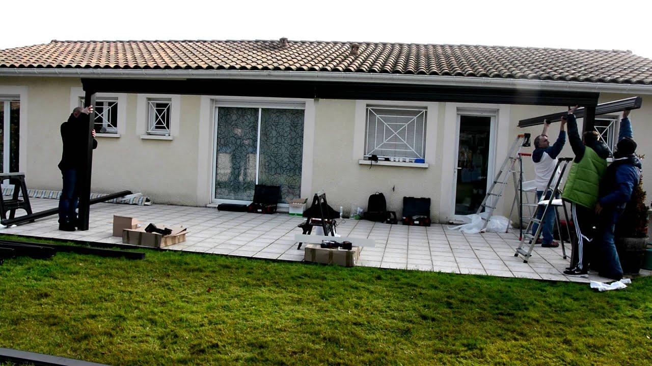 Mondial Menuiseries à Bordeaux pose une avancée de toit
