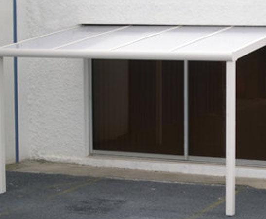 Pergola avec toit en polycarbonate les avantages Archi Mag