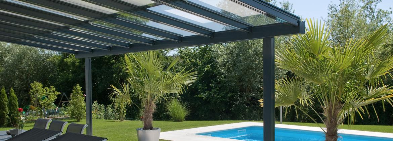 Pergola verre pour terrasse design contemporaine