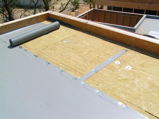 Liner toiture plate – Revêtements modernes du toit