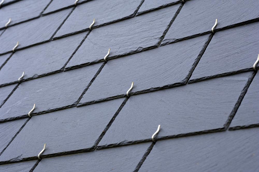 【スレート屋根の見分け方】その寿命と塗装や補修方法の全て!