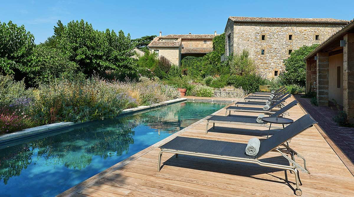 Idée déco décorer le tour de sa piscine Promo Piscine Bois