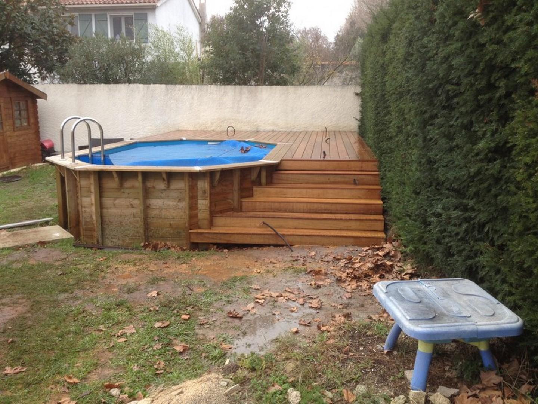 Plage de piscine pour piscine hors sol en bois exotique