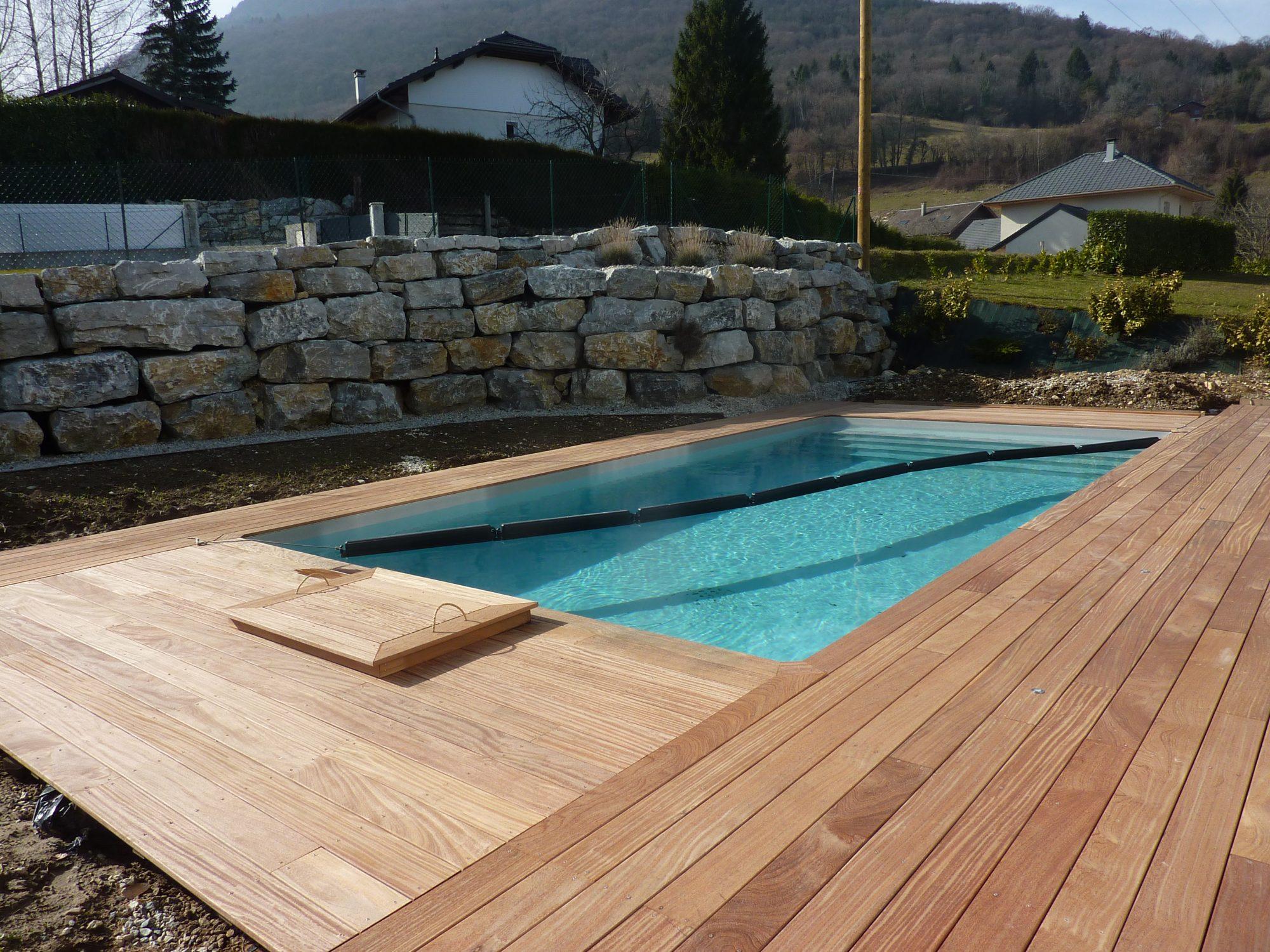 Quelle essence de bois pour mon tour de piscine