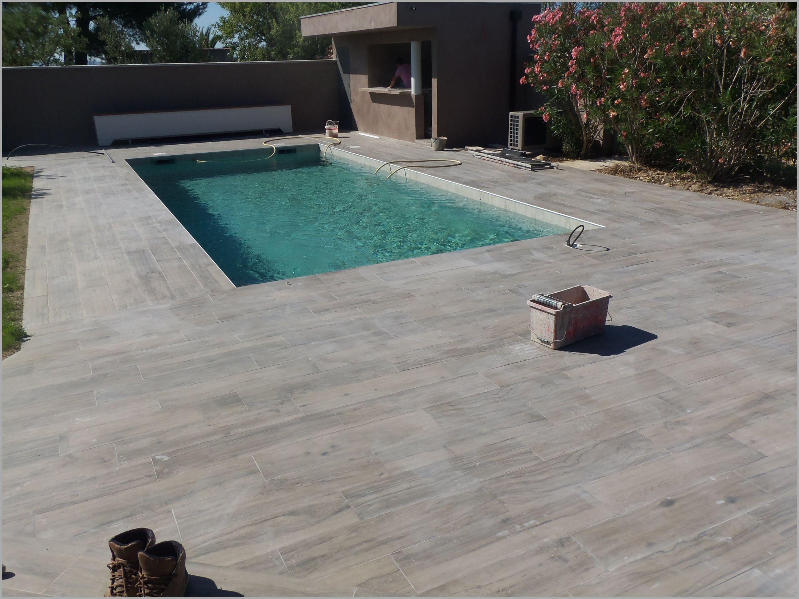 terrasse piscine carrelage bois