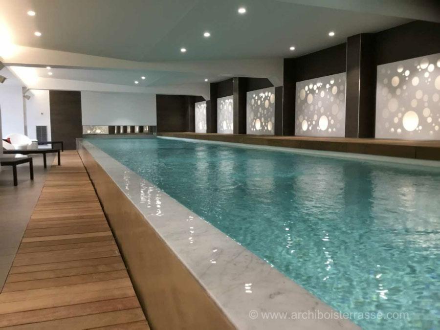 tour et caillebottis bois exotique piscine intérieur a
