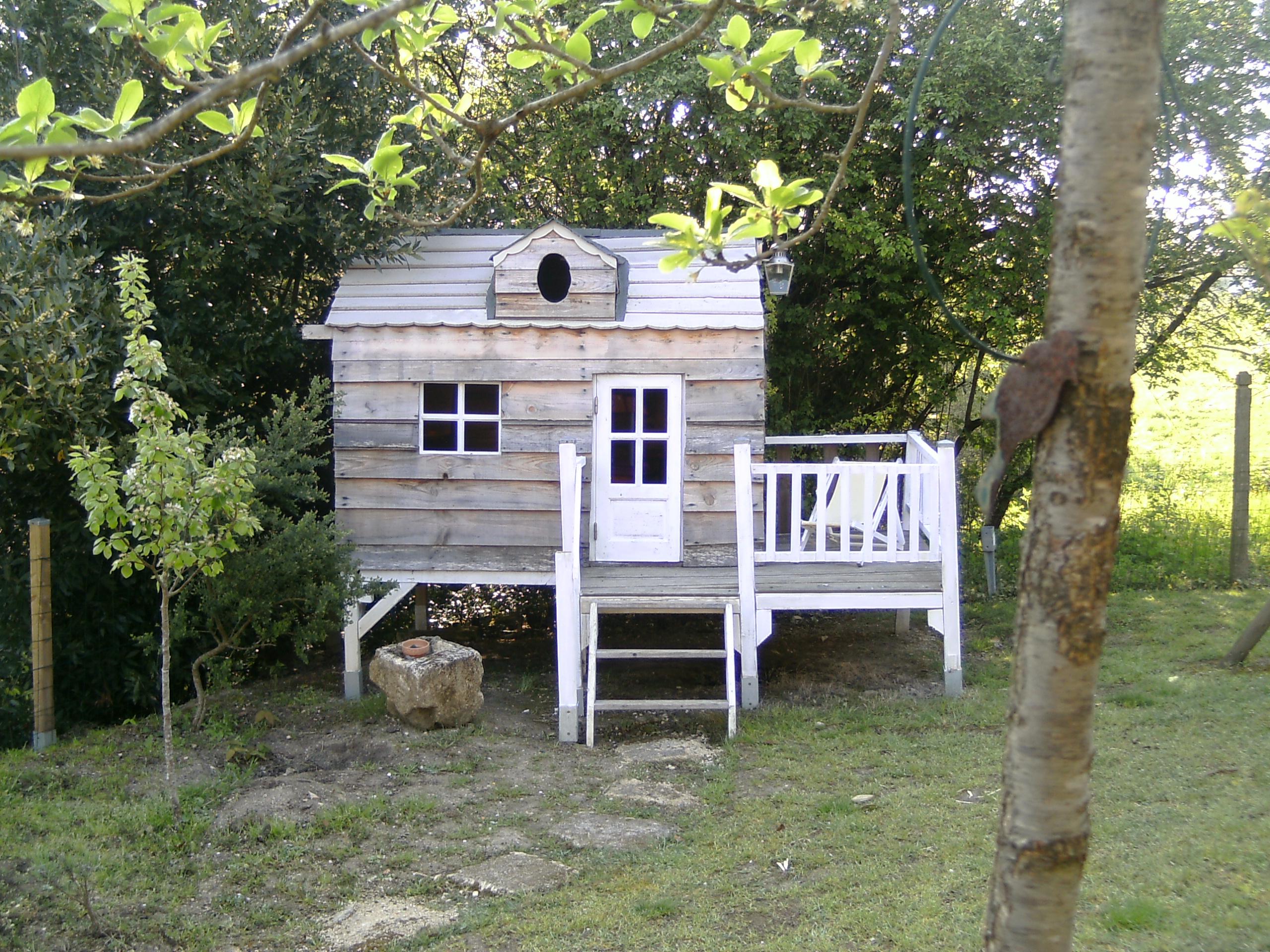 30 Cabanes Pour Les Enfants | Diaporama Photo destiné Cabane De Jardin Pour Enfants