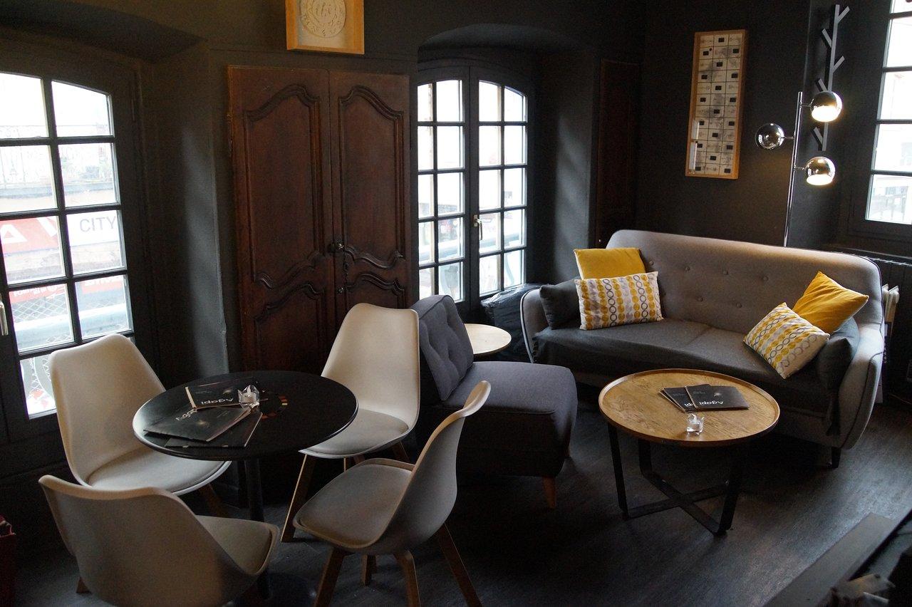 Agapi Guest House - Reviews (Le Puy-En-Velay, France ... intérieur Salon De Jardin Table Haute