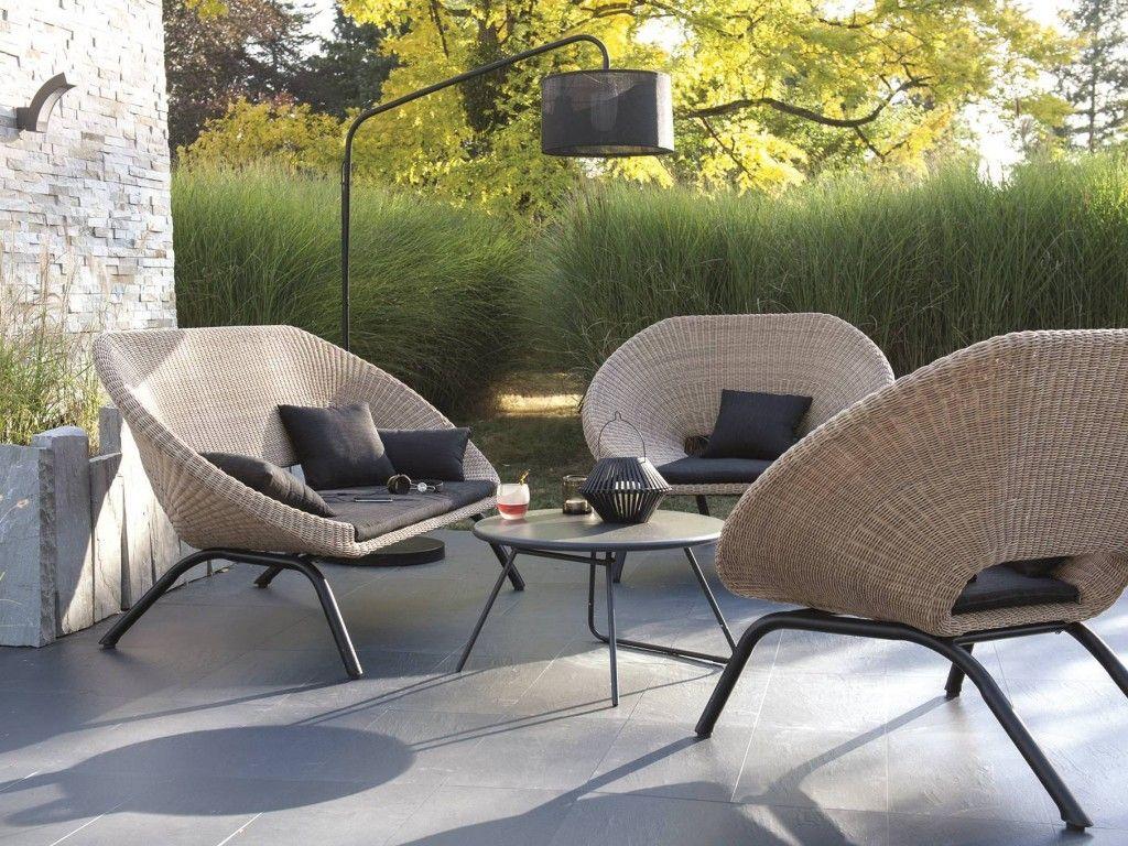 Aménager Un Salon De Jardin Chic À Prix Doux | Salon De ... concernant Table De Jardin Intermarché