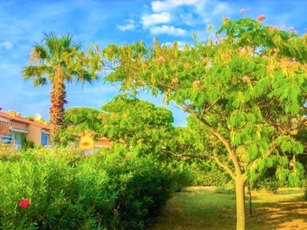 Apartment Les Jardins De La Nartelle, Sainte-Maxime, France ... pour Hotel Les Jardins De Sainte Maxime