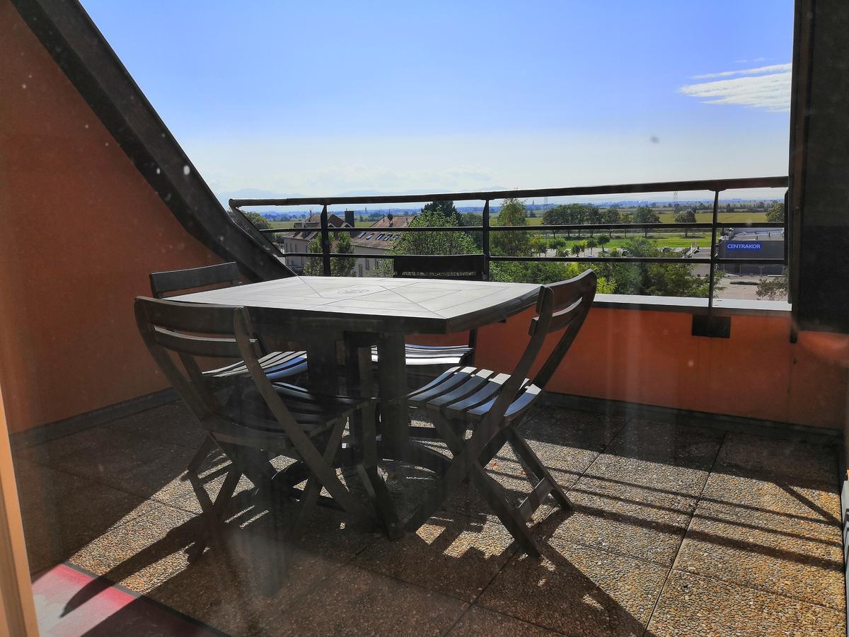 Appartement Terrasse Vue Sur Les Montagnes, Volgelsheim ... dedans Table De Jardin Centrakor
