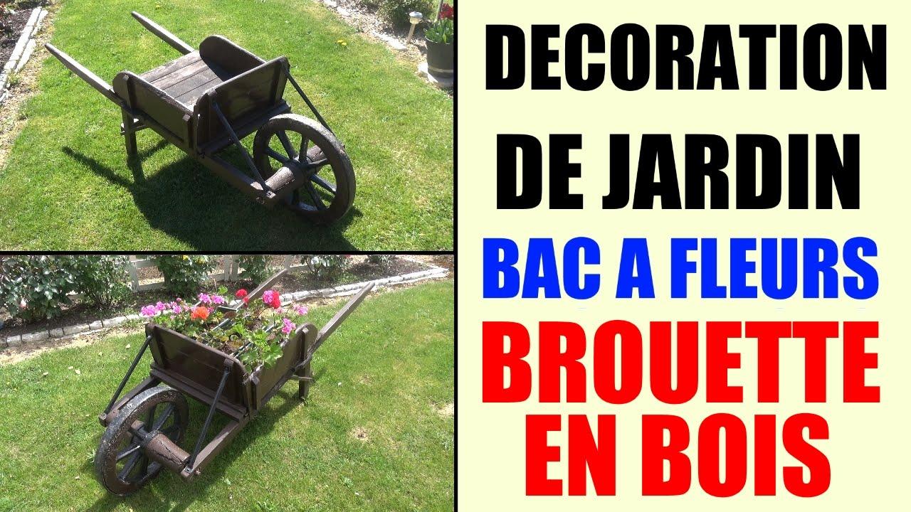 Bac À Fleurs Brouette En Bois - Idée Décoration De Jardin concernant Brouette Deco Jardin