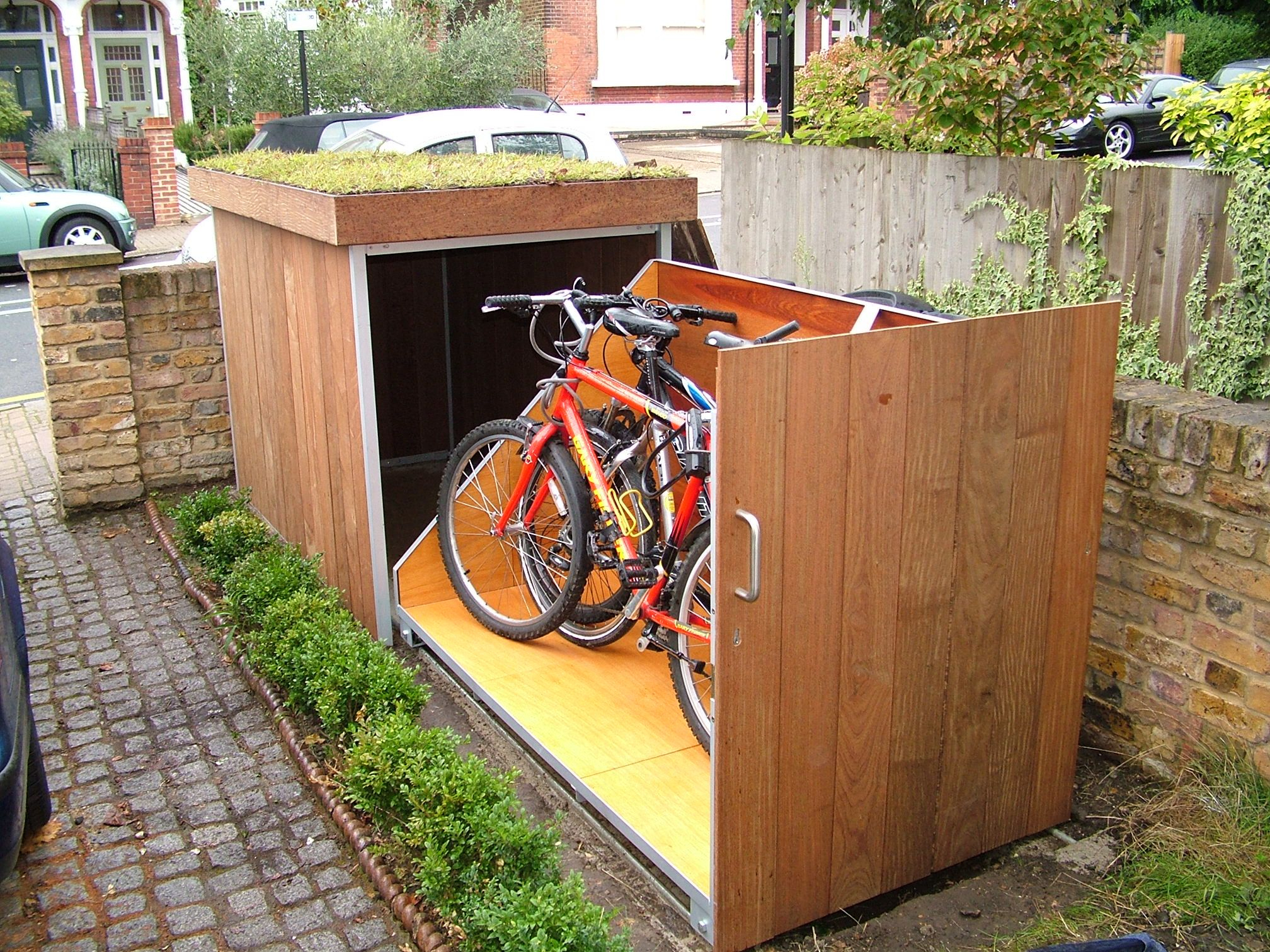 Bike Storage | Nice | Amenagement Jardin, Jardins Et Déco Jardin destiné Velo Deco Jardin