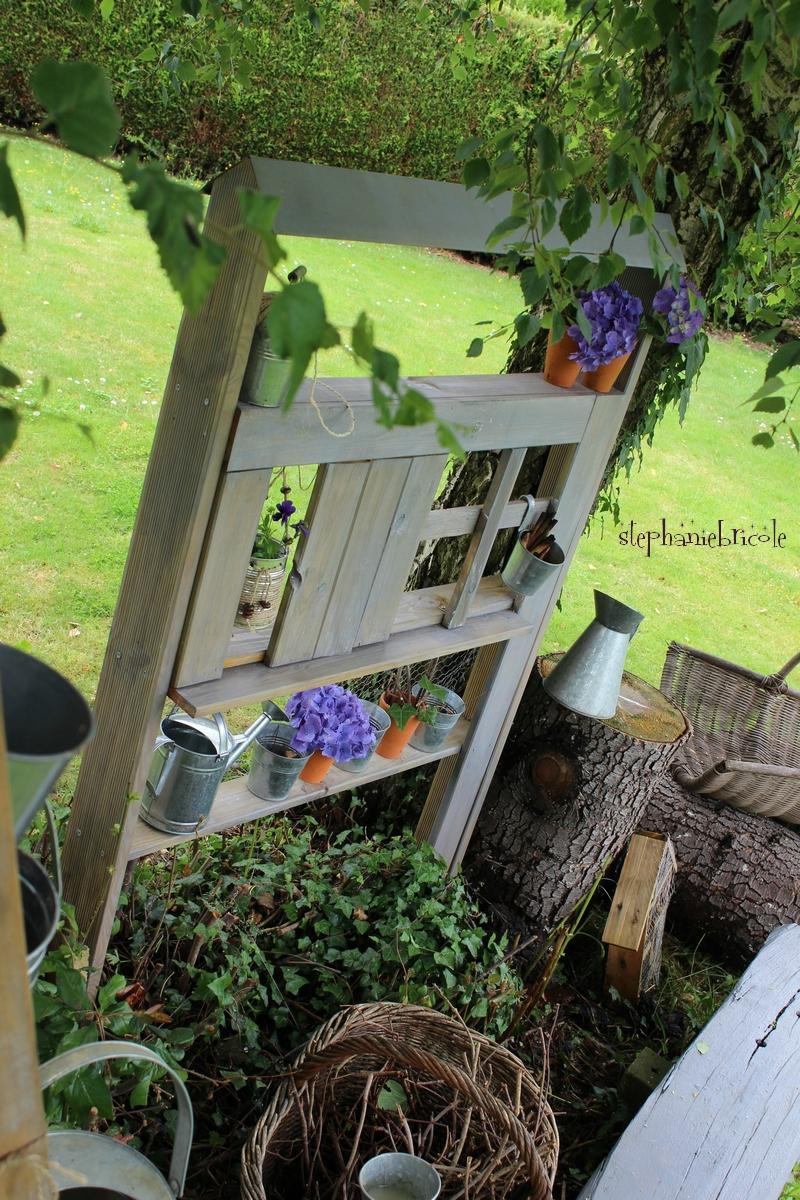 Blog Diy, Comment Faire Soi-Même Une Maison Étagère Pour ... tout Decoration De Jardin A Faire Soi Meme