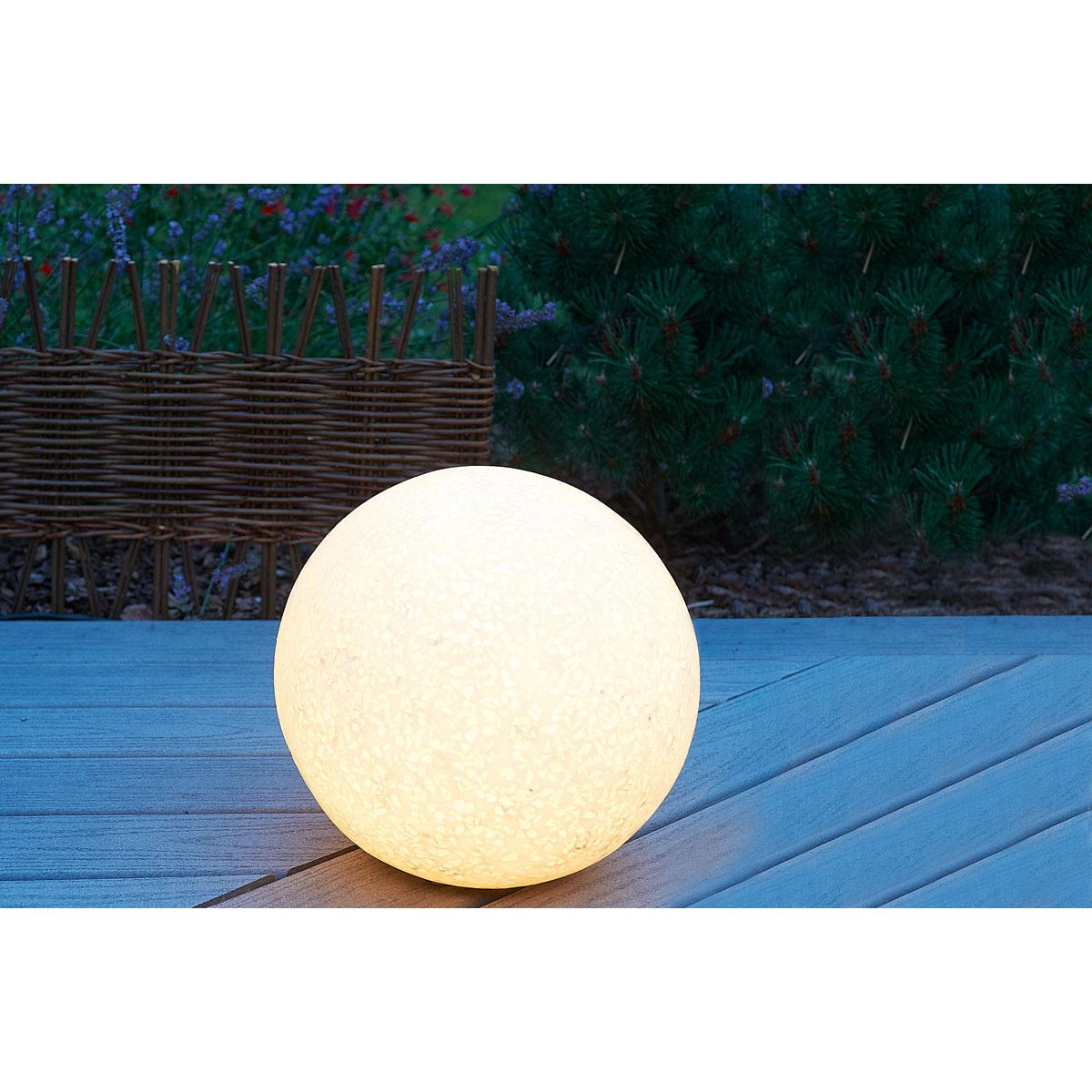 Boule Lumineuse : Quels Sont Mes Conseils Pour Aménager Et ... encequiconcerne Boule Lumineuse Jardin
