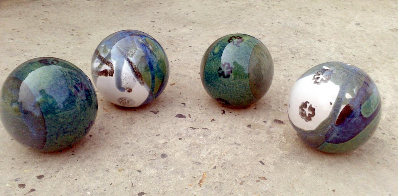 Boules En Grès Pour La Décoration Extérieure, Poteries De Jardin avec Boule Décorative Jardin