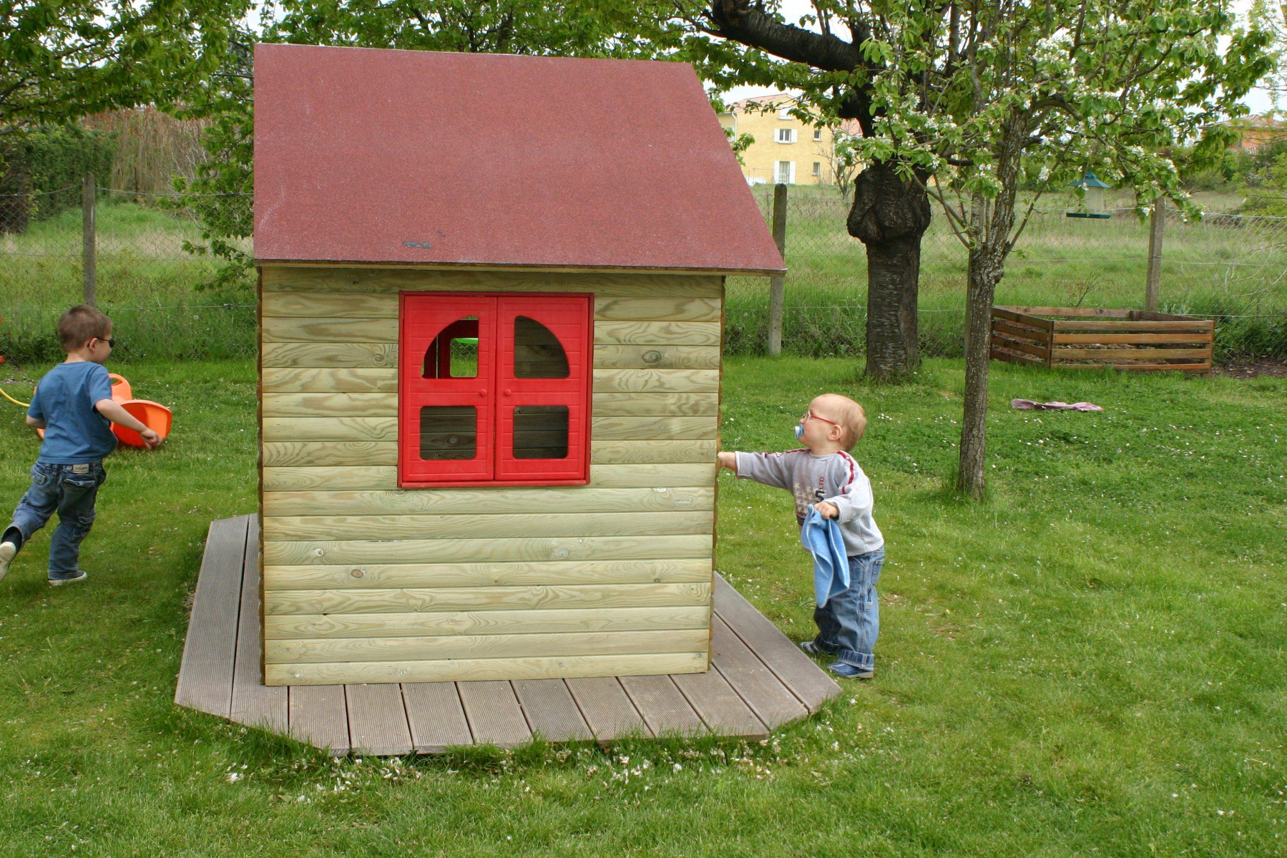Cabane De Jardin Pour Les Enfants | Nos Rénos Décos avec Maison De Jardin Pour Enfants