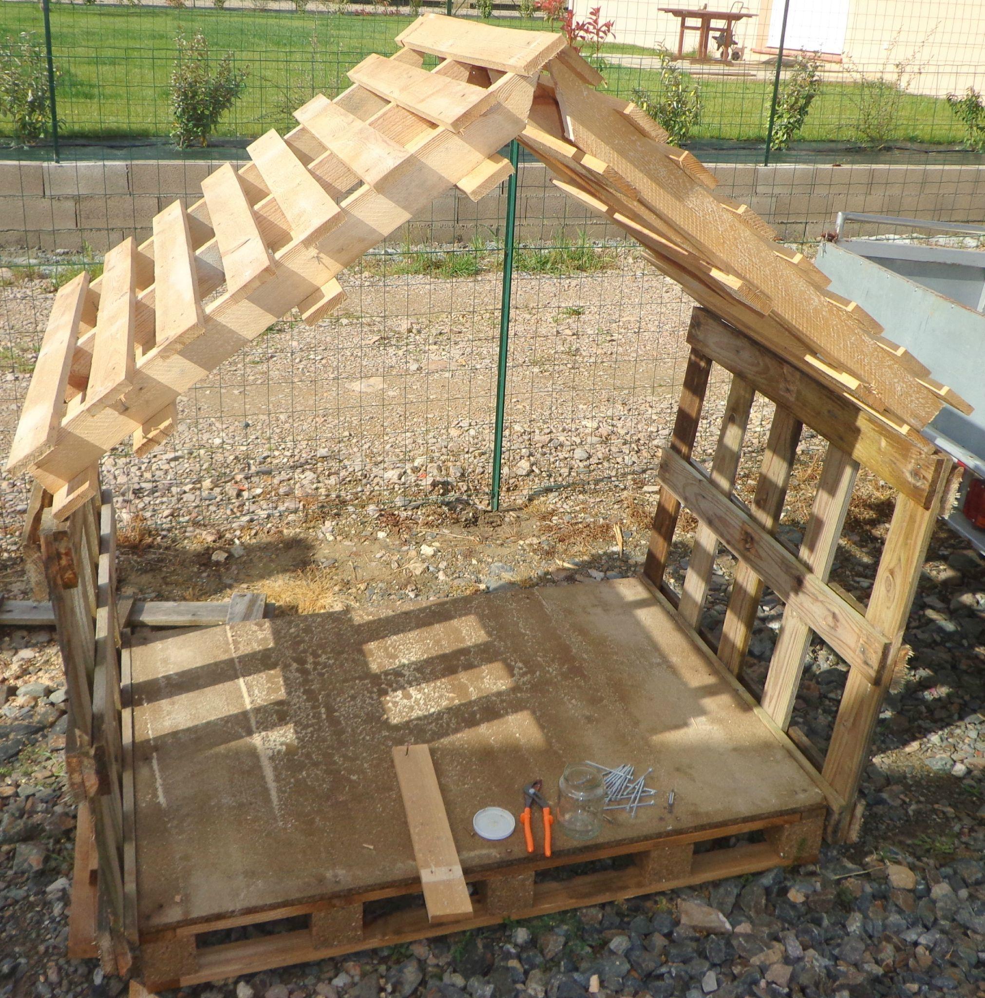 Cabane Enfant Ou Abris Chien - Recyclage Et Création ... tout Cabane De Jardin Enfant Pas Cher