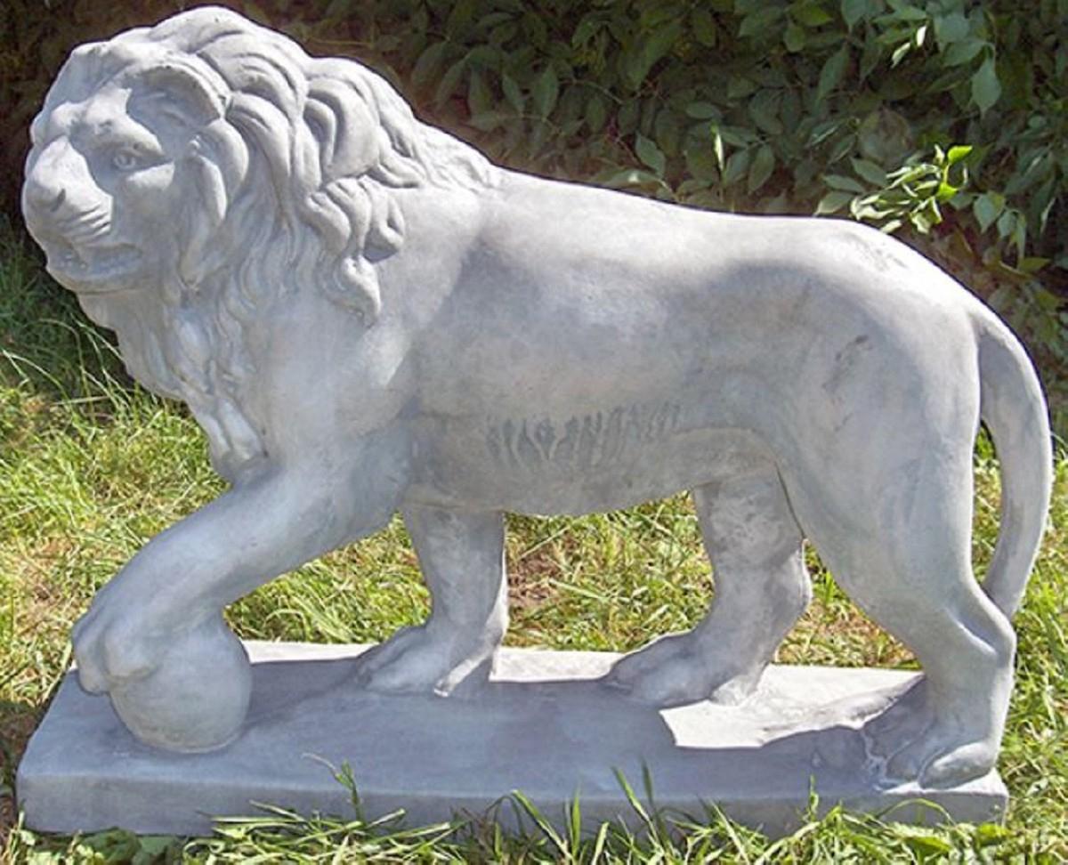 Casa Padrino Sculpture Décorative De Luxe Lion Avec Boule À Gauche Gris 75  X 22 X H. 58 Cm - Magnifique Décor De Jardin avec Boule Décorative Jardin