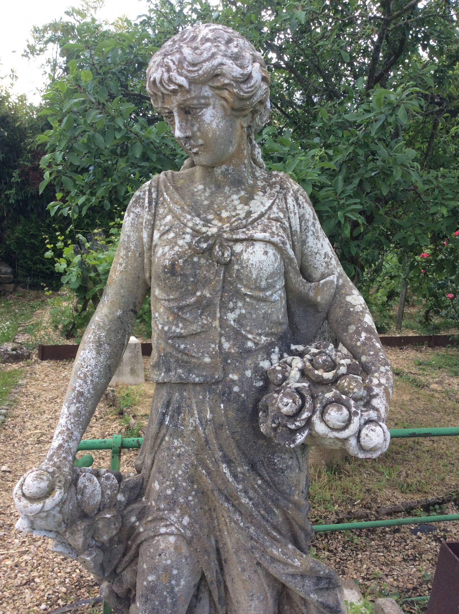 Catalogue D'ornement De Jardin. Contient Plusieurs Dizaines ... destiné Statues De Jardin Occasion