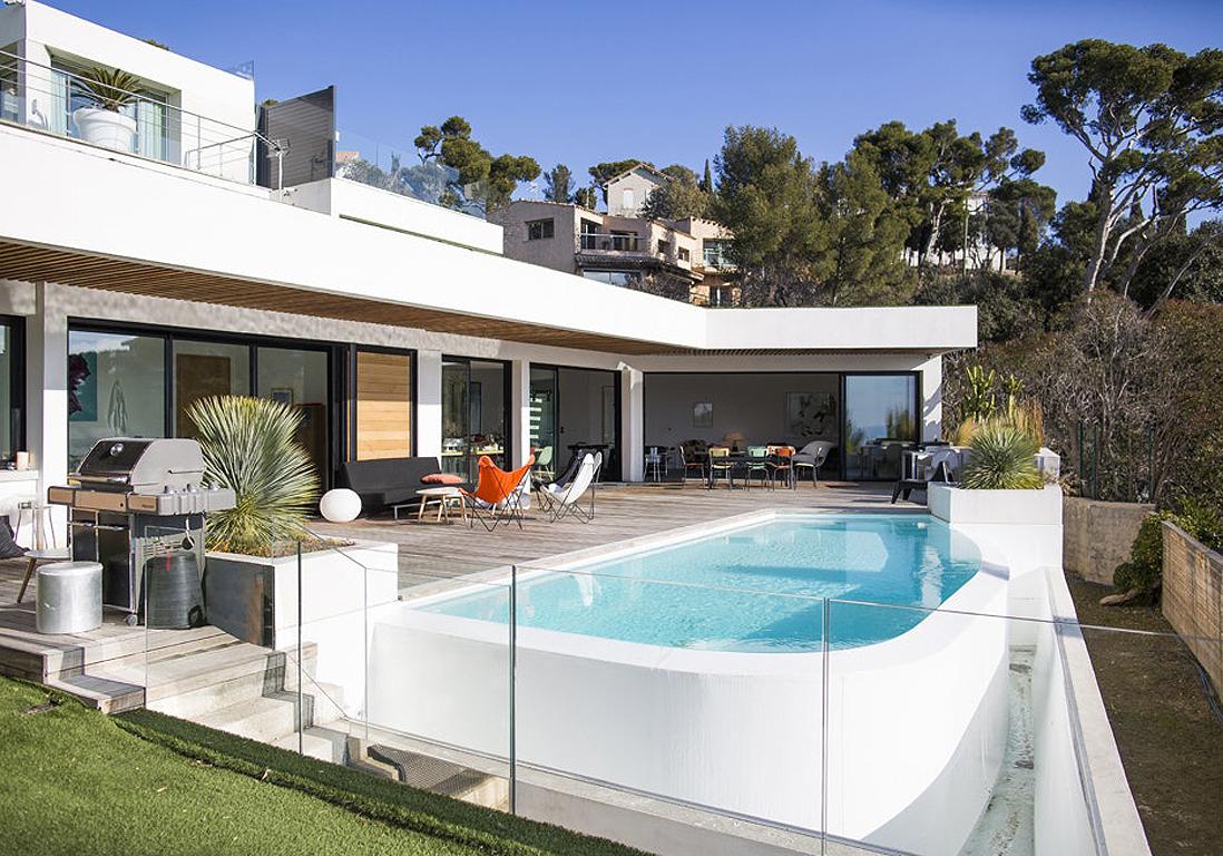 Ces Plus Belles Villas De France Vont Vous Faire Rêver ... dedans Salon De Jardin Maison Du Monde