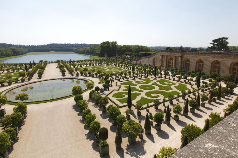 """Château De Versailles : Fermé Jusqu'à """"nouvel Ordre"""" À Cause ... à Statues De Jardin Occasion"""