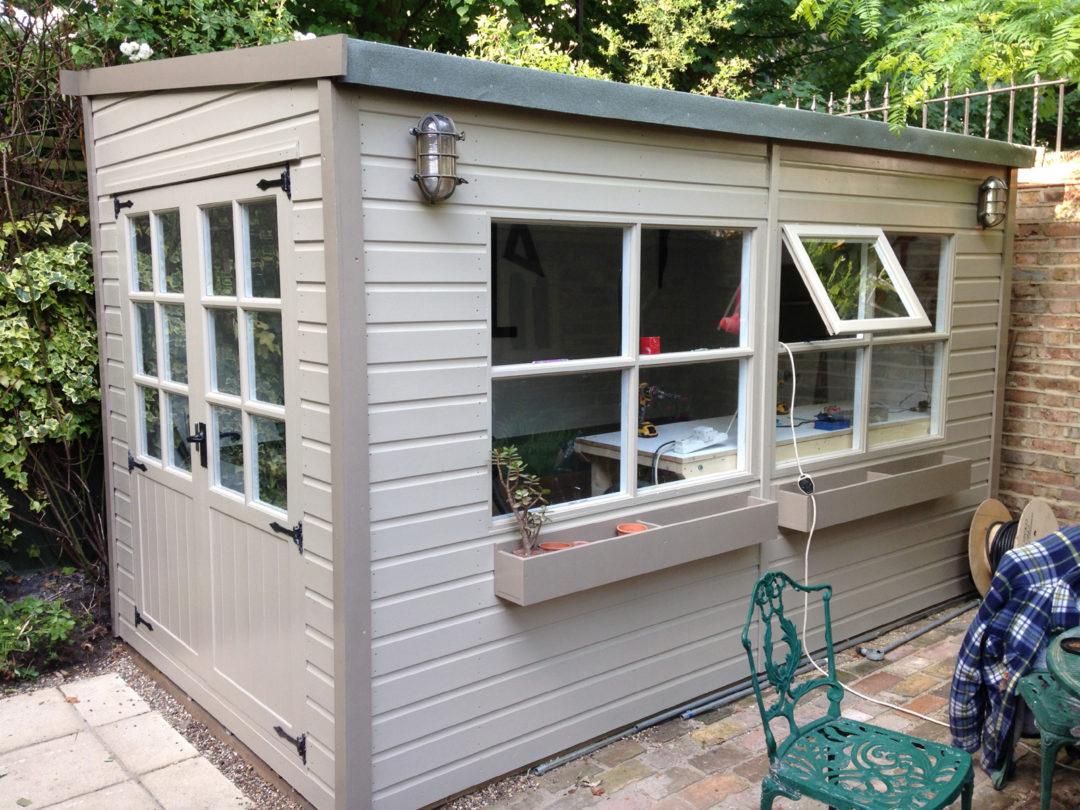 Comment Construire Un Abri De Jardin : Étapes ... tout Peinture Abri De Jardin