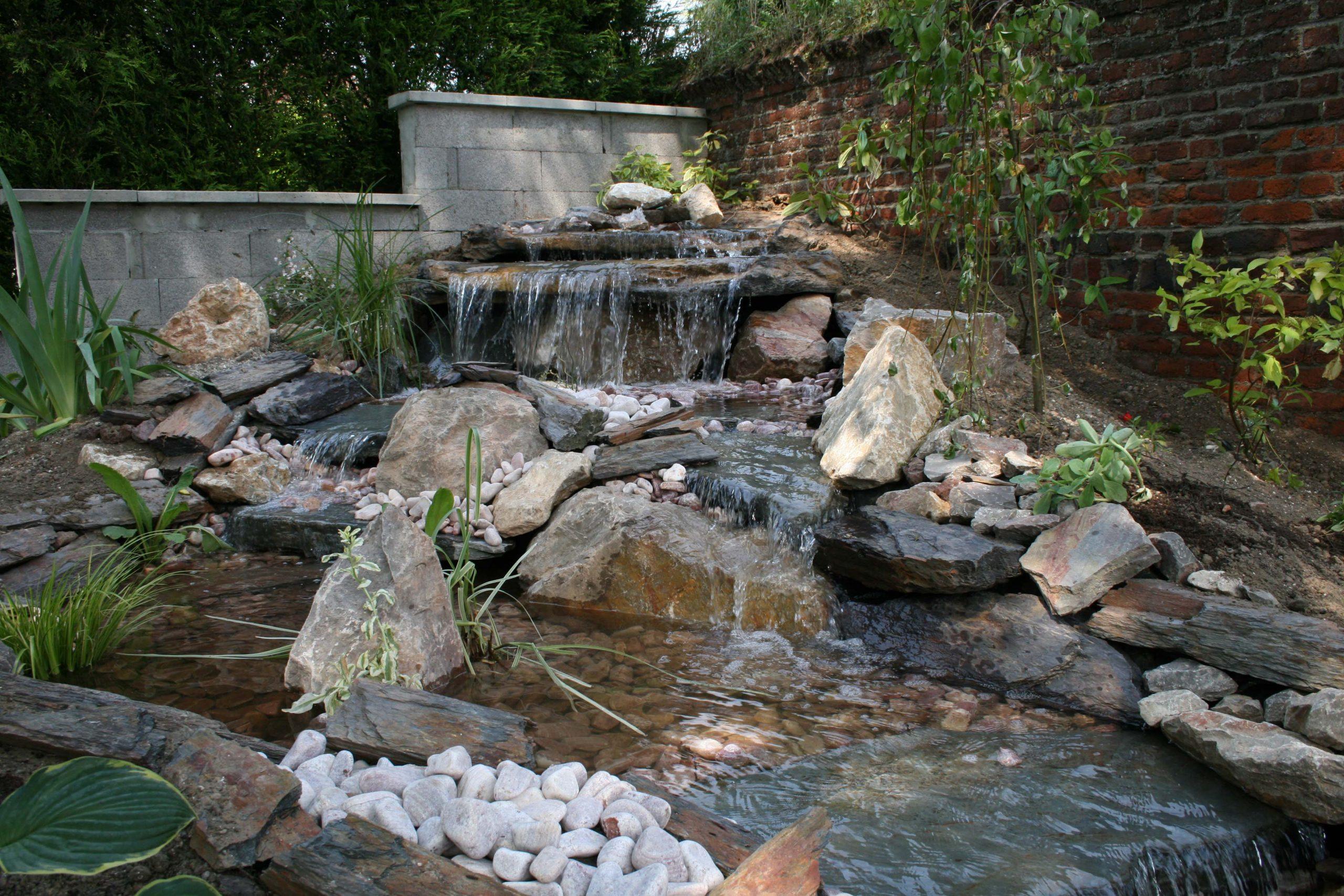 Cuisine: Ment Construire Sa Cascade Expert Bassin Cascade ... dedans Plante Bassin De Jardin