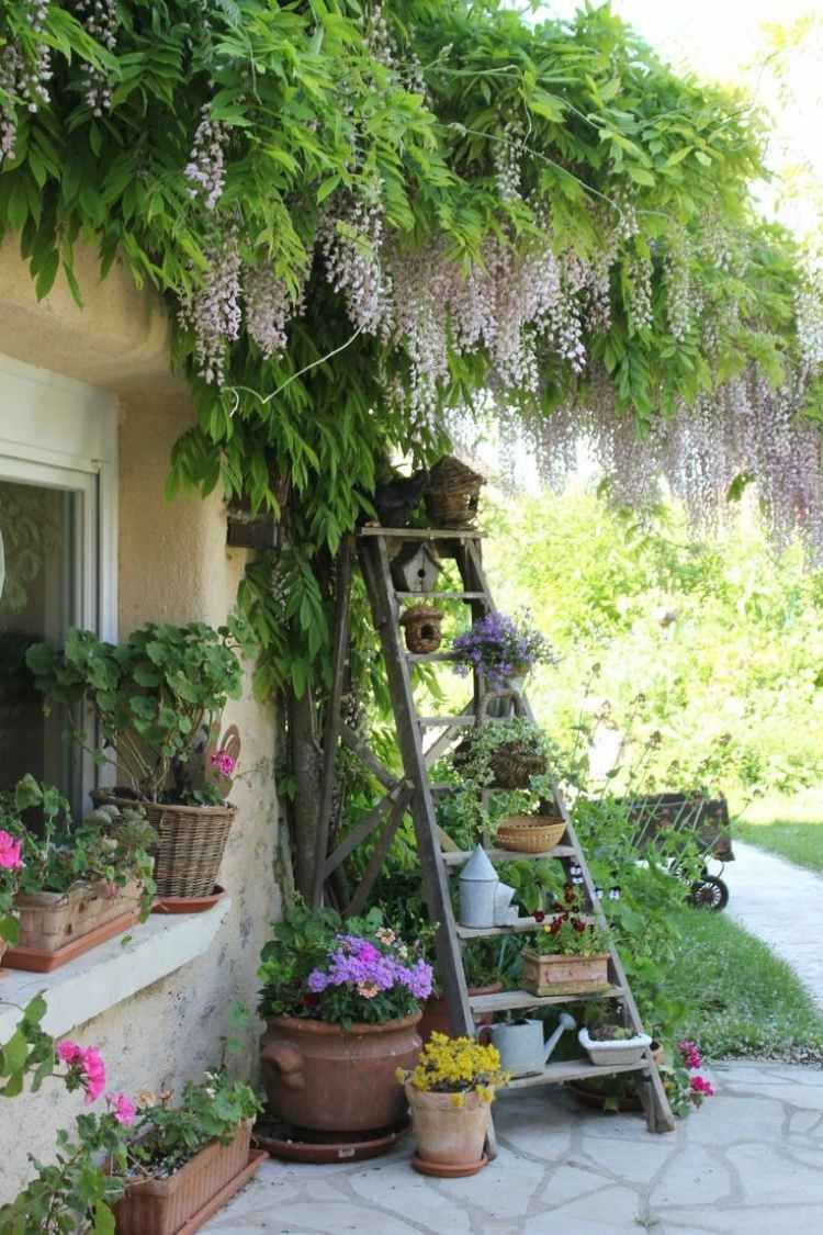 Décoration Jardin En Objets De Récupération En 31 Idées ... concernant Escabeau De Jardin