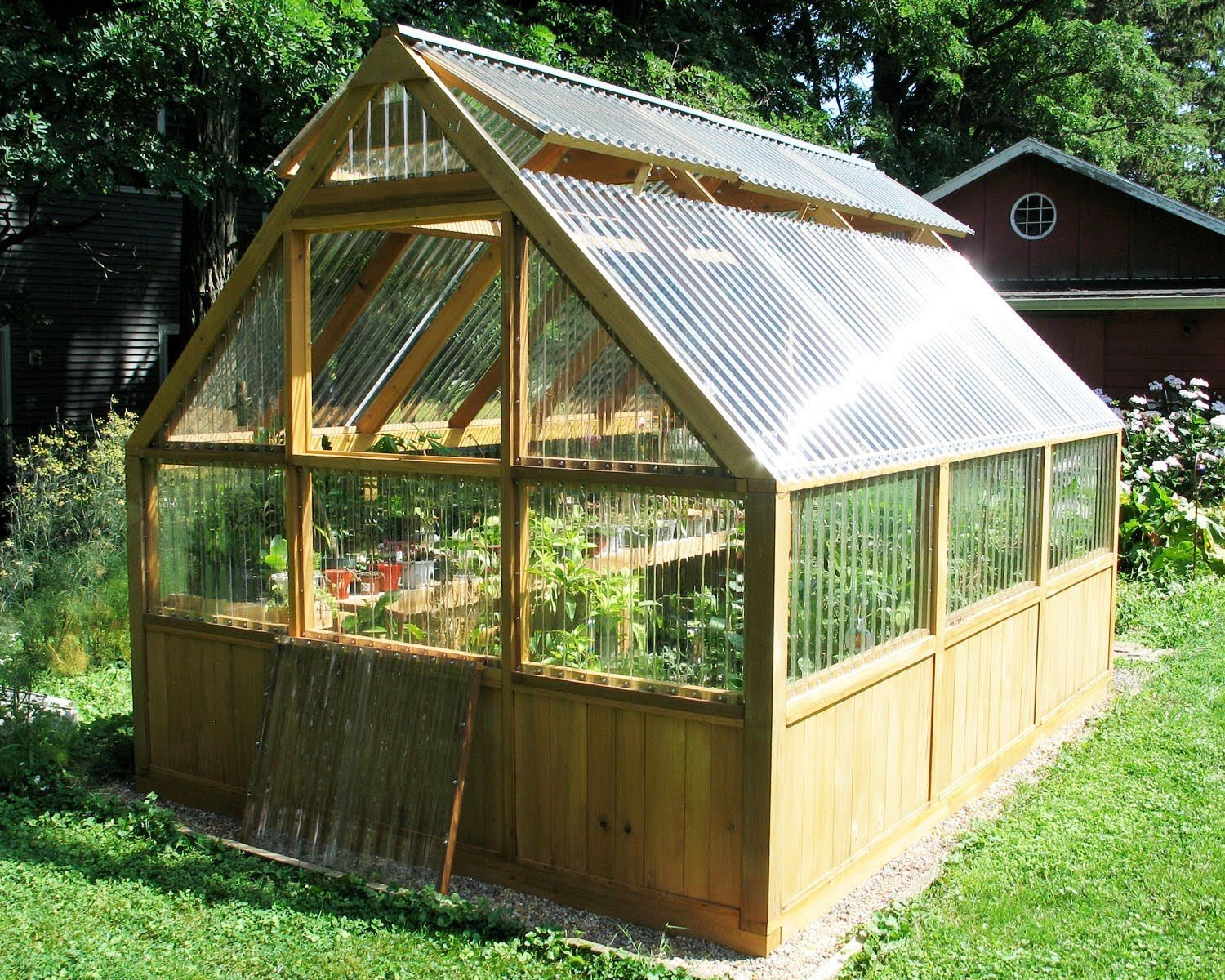 Diy Greenhouse Plans And Greenhouse Kits: Lexan ... encequiconcerne Gouttière Pour Abri De Jardin